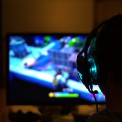 5 Things Every Gamer Needs to Enhance Their Gaming Setup