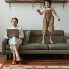 Parenting help – stay at home vs. working moms